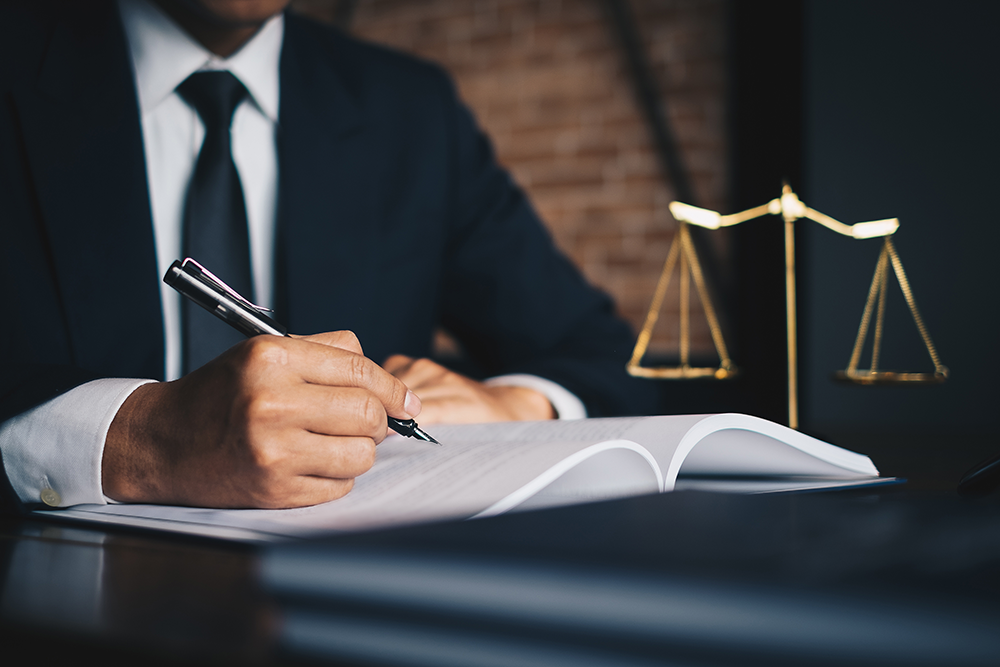 How Do Elder Law Attorneys Benefit Seniors and Their Families?